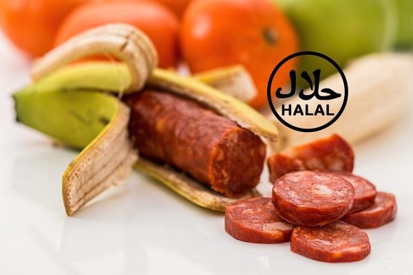 Arnaque au Halal : Un homme trouve du saucisson de porc dans sa banane et porte plainte