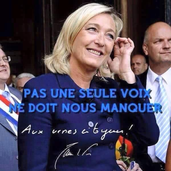 montage-Marine-Le-Pen-09 TOP 50 des plus beaux montages photos de Marine Le Pen : Il y a du talent au FN !