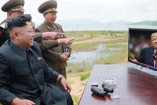 """""""Tous les matins on se fout de ta gueule avec mes généraux"""" – Kim Jong Un se moque de Trump sur Twitter"""