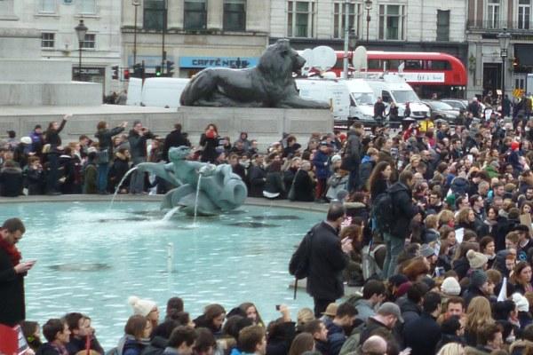 """Londres : """"Not in my name"""" – Les non-musulmans marchent contre le terrorisme raciste"""