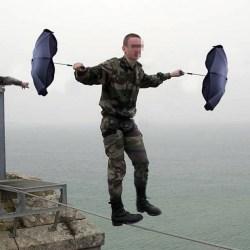 """""""Chef"""" Macron participera à un stage militaire commando avec un régiment d'infanterie"""