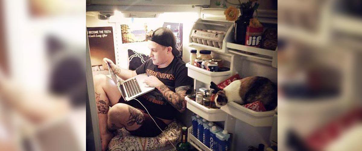 Il a vécu pendant trois ans dans un réfrigérateur à Paris