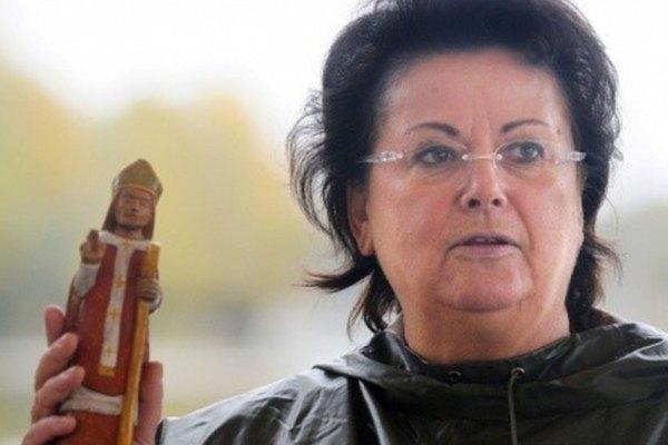 Christine Boutin lance une gamme de sextoys bibliques pour financer la rénovation de Notre-Dame