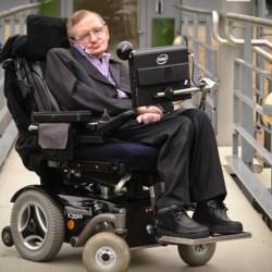 Stephen Hawking débarqué de force du TGV car sa Carte Invalidité est périmée (SNCF)