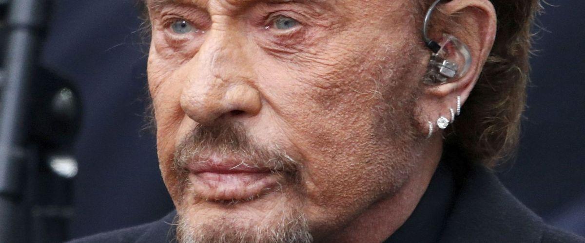 Johnny Hallyday toujours vivant dans un endroit tenu secret ? Rumeur et enquête