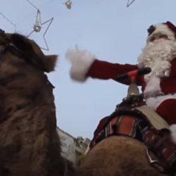 Un Père Noël en chameau distribue de la drogue gratuitement dans toute la France