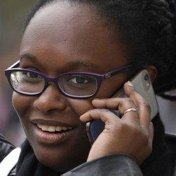 """""""Yes, le mec est dead"""" : le SMS polémique de Sibeth Ndiaye après la mort de Johnny Hallyday"""