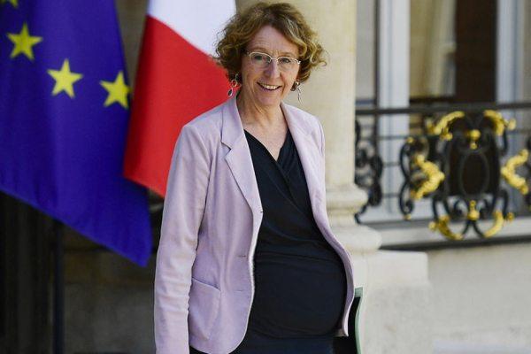 Muriel Pénicaud enceinte à 62 ans, les photos qui sèment le doute …