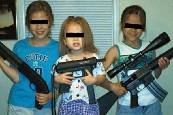 Créteil : un gang de fillettes armées détient leur professeur en otage et exige moins de devoirs