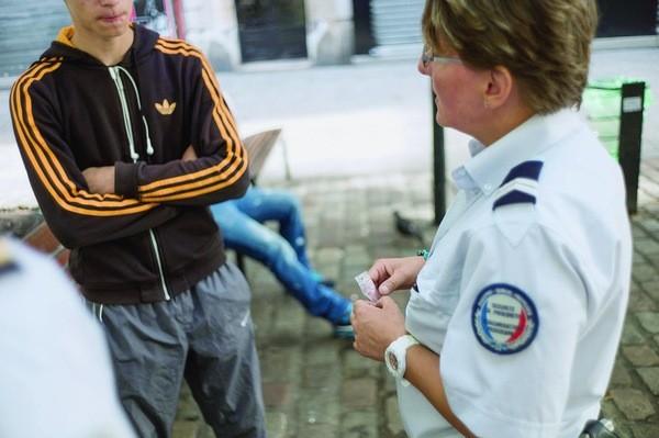 Plan banlieues : des policiers pour parrainer les dealers désirant réussir le concours d'entrée à la police