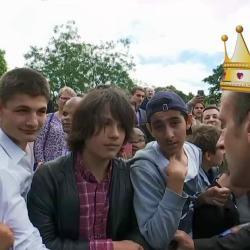 """""""Tu m'appelles Votre Altesse ou Votre Majesté ... """" Emmanuel Macron recadre un adolescent qui l'appelle """"Manu"""""""