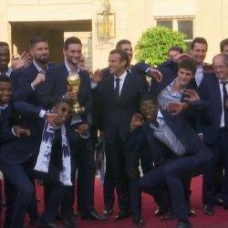« Tu m'appelles Monsieur Mbappé ou Monsieur le Champion du Monde » - Macron recadré par un joueur de l'équipe de France