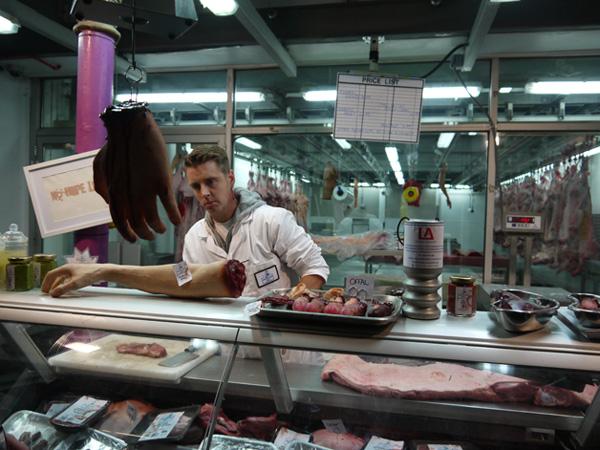 WeskerSon-humain-meat-0 Un boucher parisien accusé d'avoir tué et cuisiné des militants végans antispécistes pour vendre leur viande