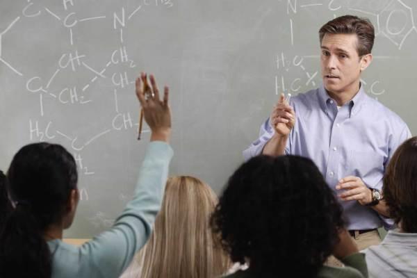 Rentrée des classes : après 3 jours d'école, 66 % des profs n'ont encore eu aucune absence maladie