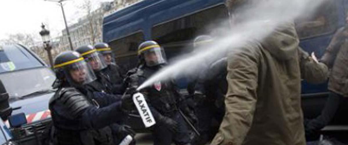 CRS : du gaz laxatif pour remplacer les grenades lacrymogènes