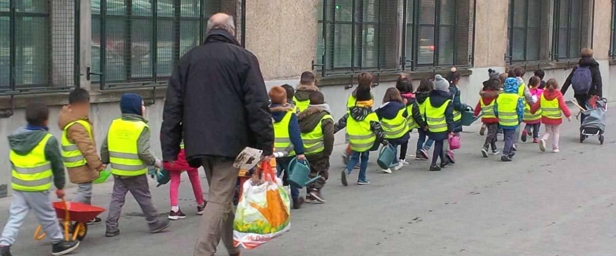 Les Gilets Jaunes ouvrent un centre de formation pour enfants afin que la révolte dure encore longtemps
