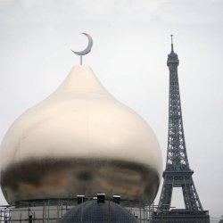 Pacte de Marrakech : la Tour Eiffel diffusera l'appel à la prière du vendredi