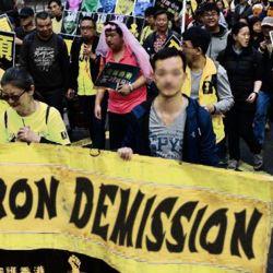 Hong Kong : de plus en plus de manifestants portent des Gilets Jaunes
