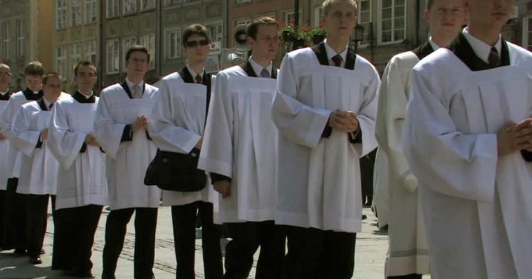 enfants-de-choeur-adulte-vatican-pedohilie SecretNews