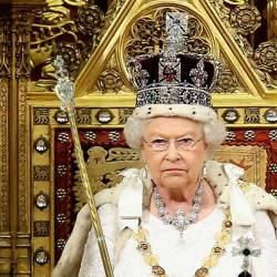 """BREXIT - """"Maintenant ça suffit !"""" : la Reine Elisabeth II réinstaure la monarchie absolue"""