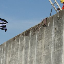 Canicule : construction d'un mur anti-réfugiés climatiques en Bretagne