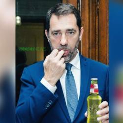 """Christophe Castaner : """"Quand je suis bourré, je mange mes crottes de nez"""" :"""