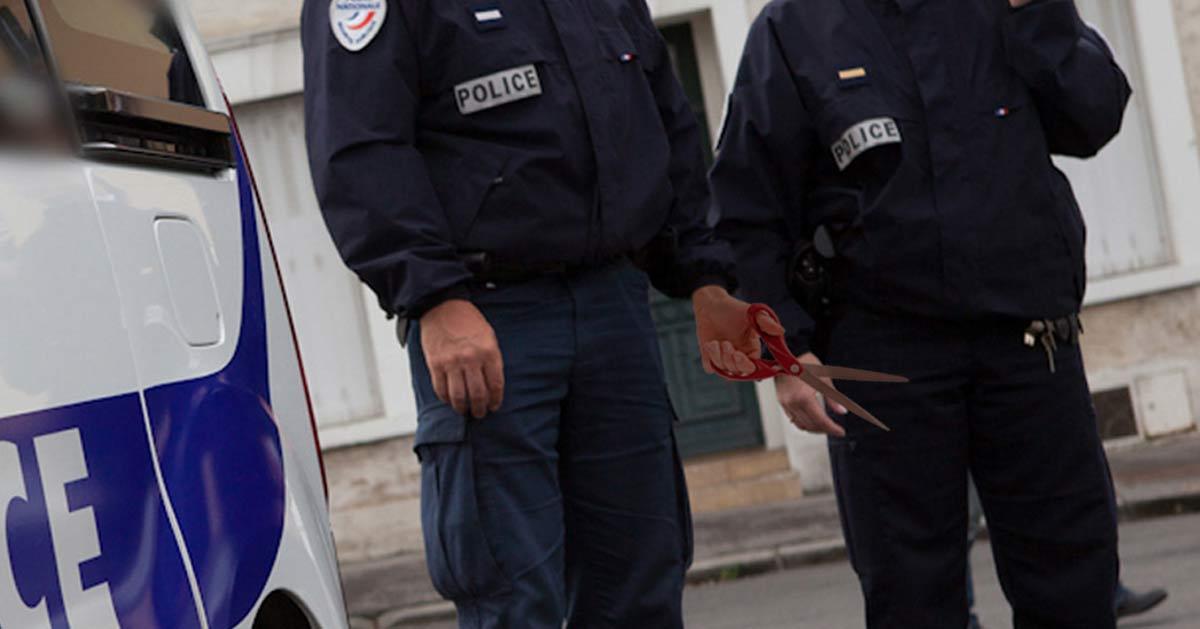«On jouait à pierre-feuille-ciseaux» : le policier qui a piqué un ado avec des ciseaux s'explique