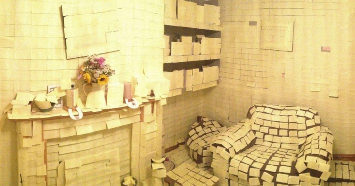 post-il-maison Le domicile de Marlène Schiappa entièrement recouvert de Post-it jaunes