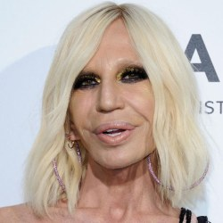 Brigitte Macron méconnaissable et défigurée par la chirurgie esthétique