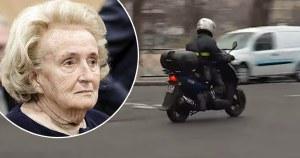 Confinement : E. Macron aperçu en scooter devant le domicile de Bernadette Chirac