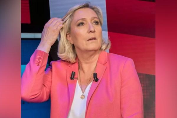 Pour rembourser la dette du RN, Marine Le Pen vend sa virginité aux enchères