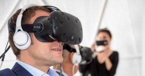 Macron accro a un jeu de réalité virtuelle : sa popularité à 97%, sans gilets jaunes