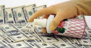 Alerte des banques suisses : l'argent liquide lavé au gel hydroalcoolique et mis en quarantaine