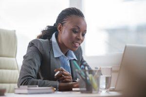 Pasikone Ndiaye : la sœur intelligente et distinguée de Sibeth Ndiaye