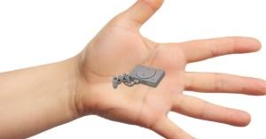 Sony sort une Nano Playstation pour concurrencer la Game Gear Micro de Sega,
