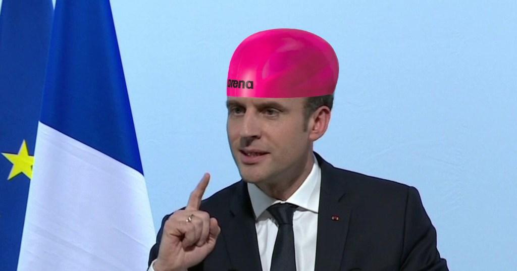 [Chaîne] PROJETS-VENTILO - Court-métrages, parodies, chroniques, sketchs, ... - Page 8 Macron-bonnet-bain-douche