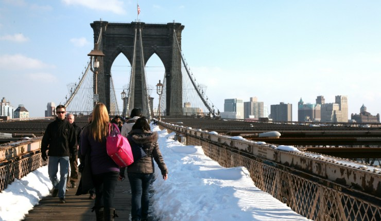 pedestrian-winter-bridge-walkway-cityscape-travel-423194-pxhere