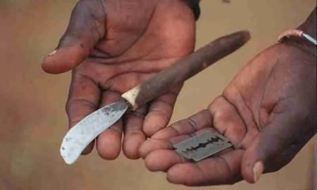 Utensilios y cuchillas para mutilar, tolerancia cero con la mutilación genital femenina.