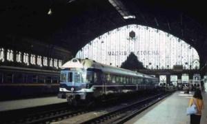 El tren de Madrid a Linares-BaezaEl tren de Madrid a Linares-Baeza