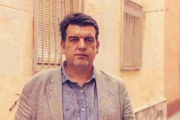 """Alfonso Salazar: """"Escribir es elegir y, por tanto, renunciar"""""""