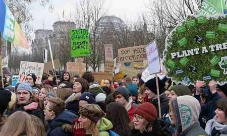 Manifestación Fridays For Future, inspirada por Greta Thunberg, en Berlín. Foto de Leonhard Lenz