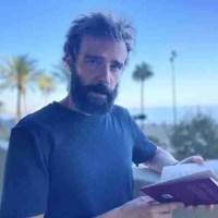 """Julen Carreño: """"La poesía se cocina en casa, pero ha de servirse a pie de calle"""""""