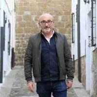 """Luis Foronda: """"Los libros son las mejores herramientas para abrirnos el corazón y la mente"""""""
