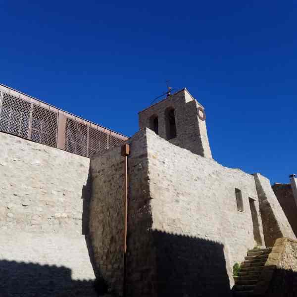 Clocher de l'église Sainte-Marie pendant la visite de Puyloubier