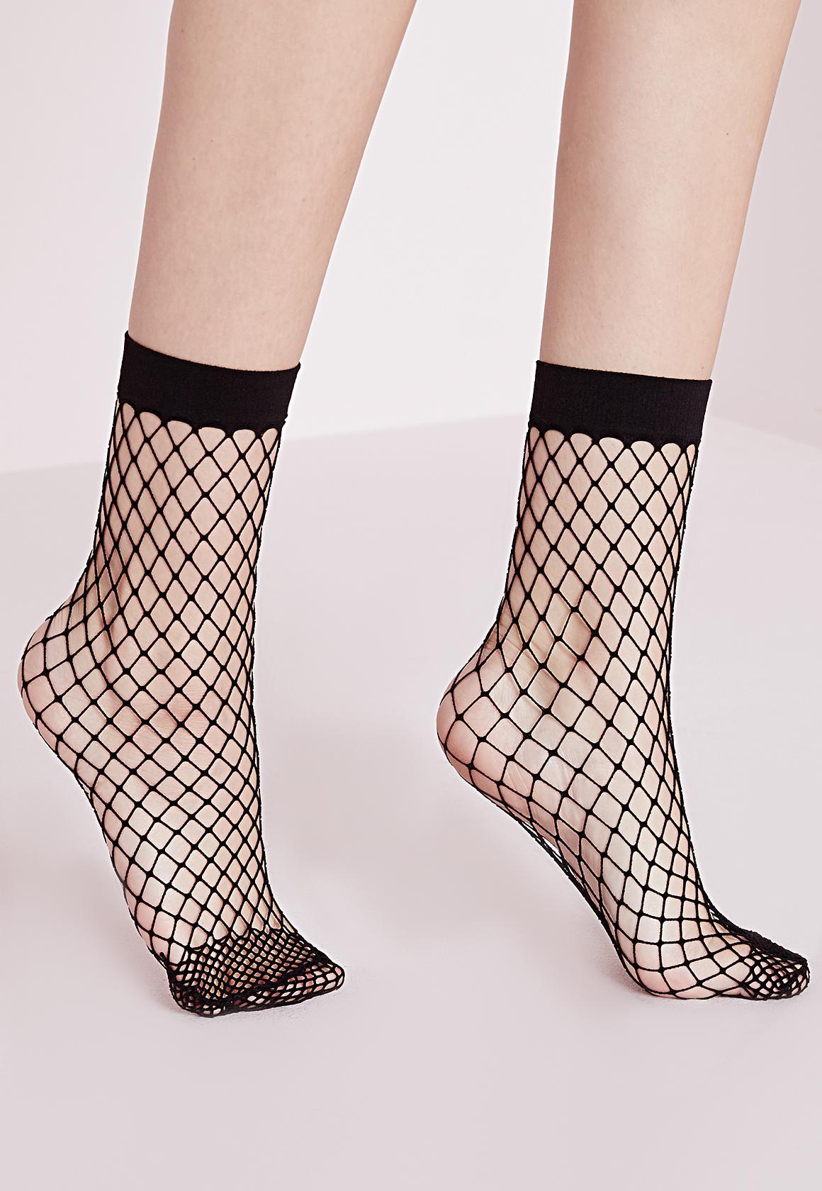 dd2c34e1b98f4 Black over-sized fishnet ankle socks – Secrets