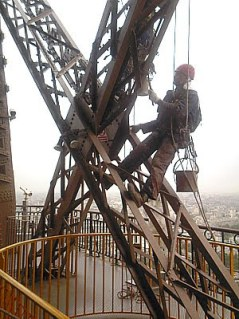 Eiffel Tower painter