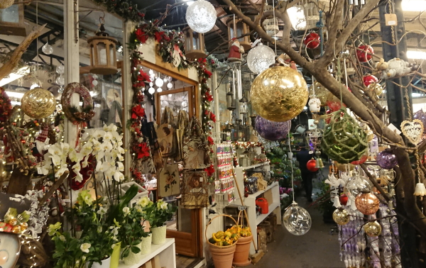 Christmas decorations at the Marché aux Fleurs