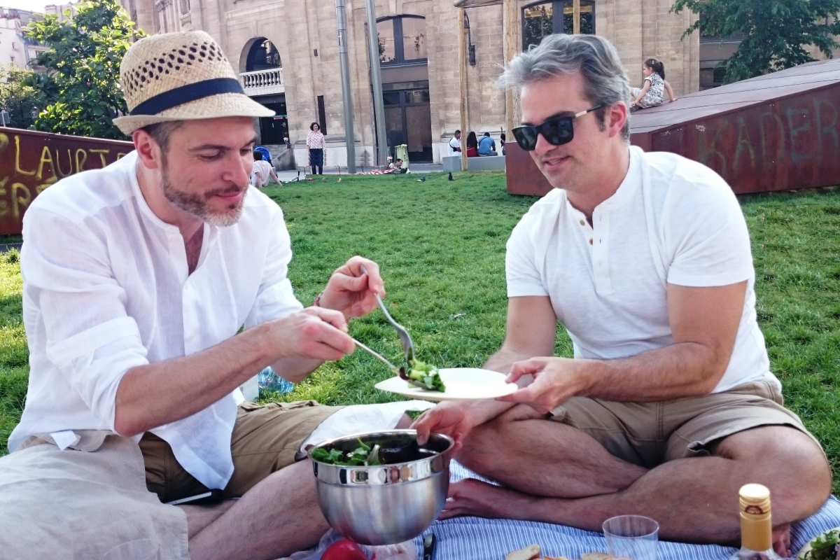 Parisians picnic