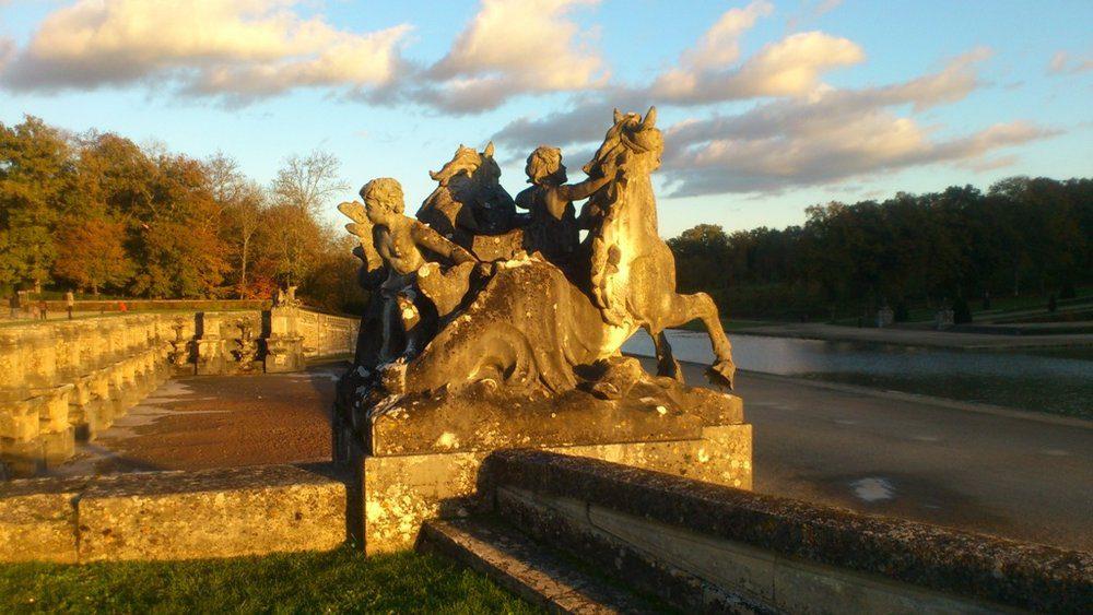 Garden statue Vaux le Vicomte