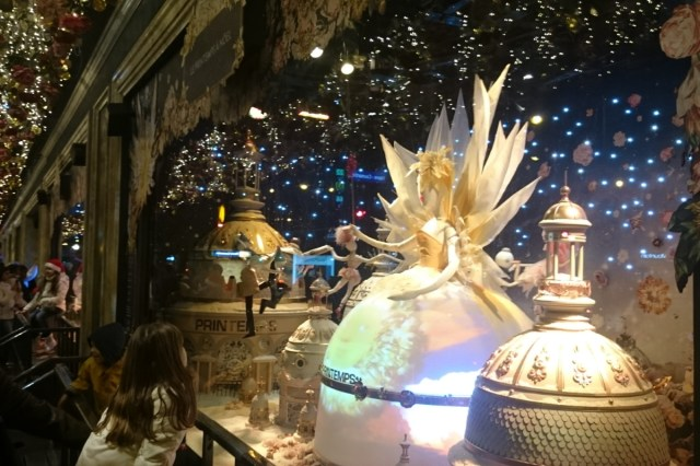 Christmas window decorations in Paris